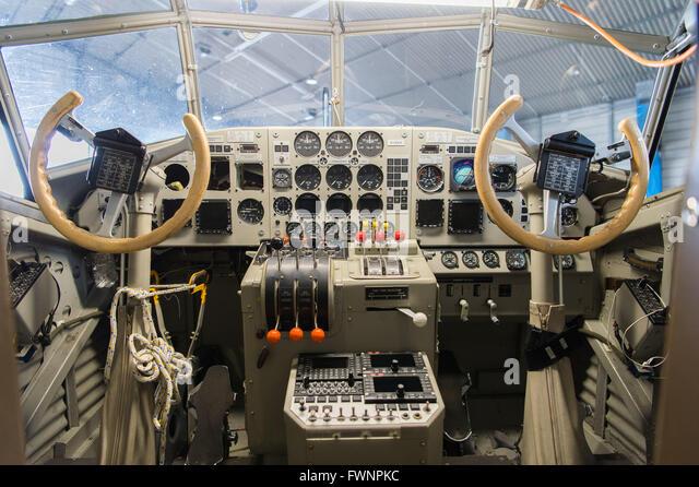 hamburg-germany-6th-apr-2016-the-cockpit