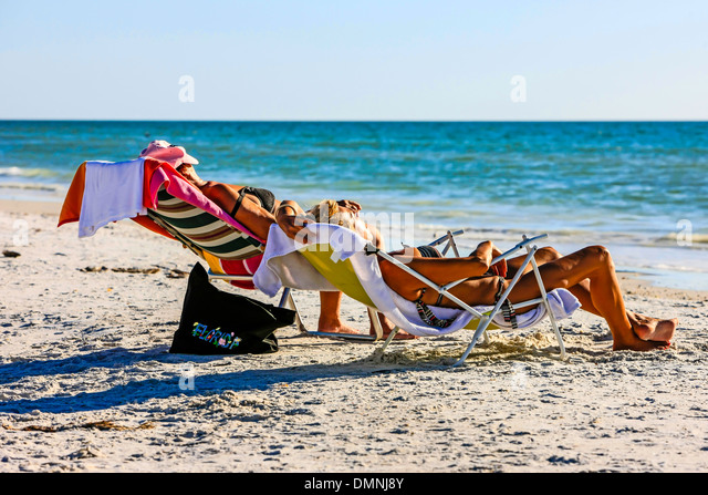 Modern mexico people stock photos modern mexico people for Warmest florida beaches in december