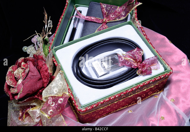 Wedding Gift Ideas For Bride Malaysia : for a malay wedding in malaysia gift for a malay wedding in malaysia