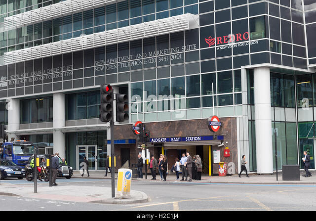 how to get to aldgate east station