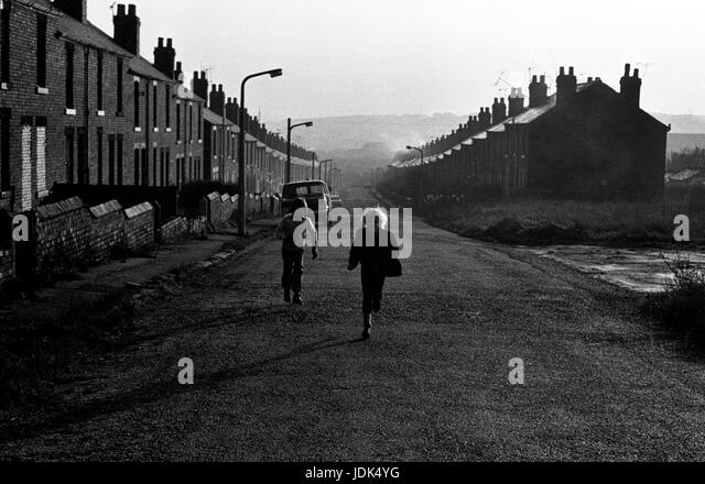 Victorian terrace houses in back stock photos victorian for Terrace jogging track