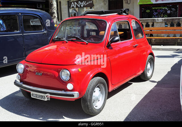 red fiat 500 stock photos red fiat 500 stock images alamy. Black Bedroom Furniture Sets. Home Design Ideas