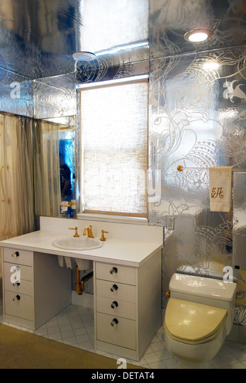 Bathroom Fixtures Queens Ny queens bathroom stock photos & queens bathroom stock images - alamy