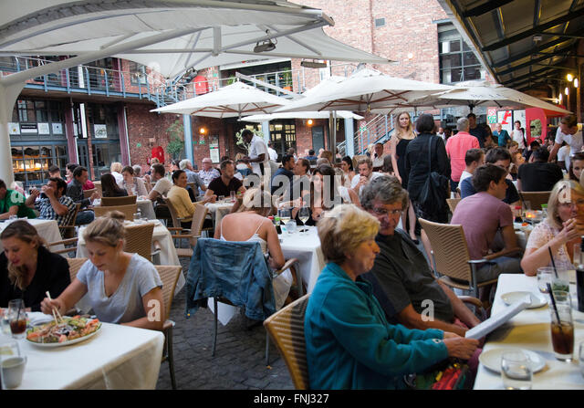 the hookup dinner cape town The icct was established in the 1960's to not only create a meeting place for italians but to be a home away from home to italian immigrants living in cape town.