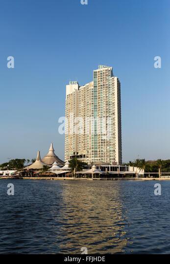 Boat Jakarta Indonesia Harbour Stock Photos & Boat Jakarta Indonesia ...