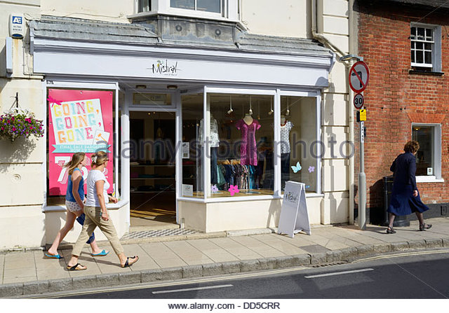 Mistral clothing stores