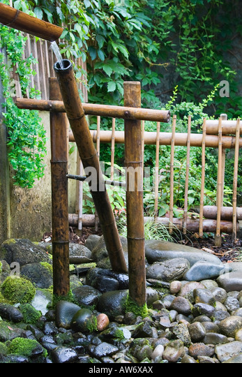 Shishi odoshi stock photos shishi odoshi stock images for Japanese bamboo water feature