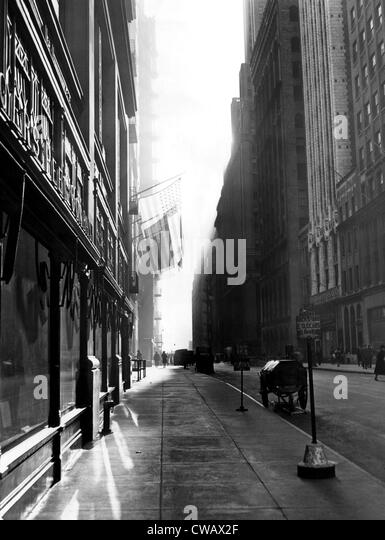 Street in 1940s stock photos street in 1940s stock for 5th avenue salon bedford
