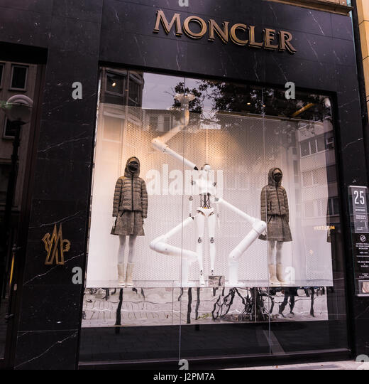 moncler boutique frankfurt
