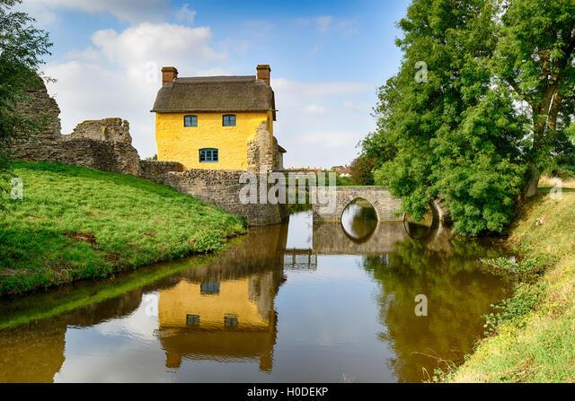 Castle Cottage Stock Photos Amp Castle Cottage Stock Images