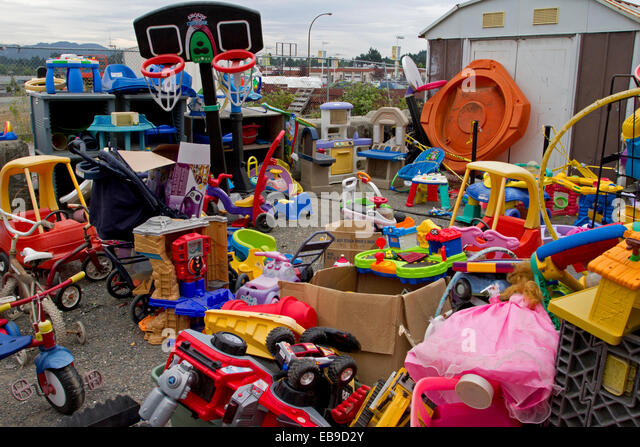 waste and old toys Contact the town's trash hauler, casella waste to make arrangements to pick  up  cardboard larger than 4x4 rigid plastics (lawn chairs, children's toys, small .
