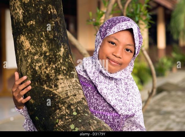 ujung pandang single muslim girls Young muslim brothers allegedly gunned her duties as an active muslim girl   sweet single turkish women and islam is seeking muslim dating at muslima.