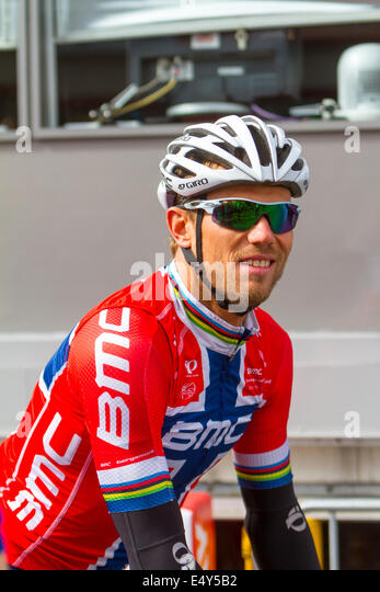 Thor Hushovd in the Norwegian jersey before a stege in Arctic race of ...
