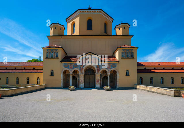 East Side München nordfriedhof stock photos nordfriedhof stock images alamy