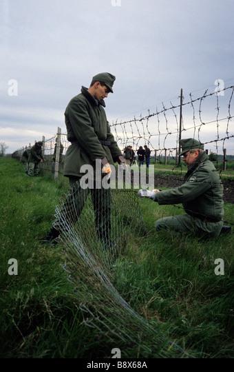 The Iron Curtain Stockfotos und The Iron Curtain Stockbilder - Alamy