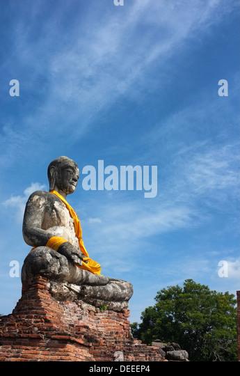 Samadhi Buddha Statue Stockfotos und Samadhi Buddha Statue ...