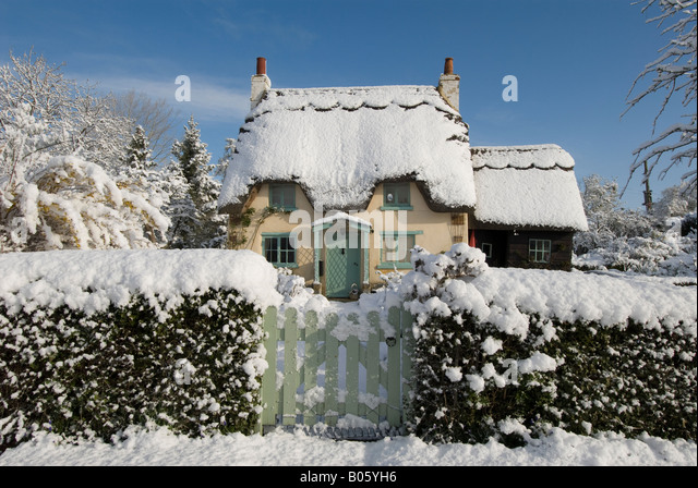 Cottage Snow Uk Stock Photos Amp Cottage Snow Uk Stock
