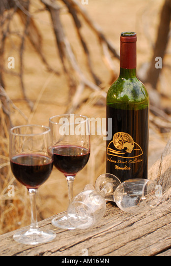 Wein genuss stock photos wein genuss stock images alamy for Red wine with fish