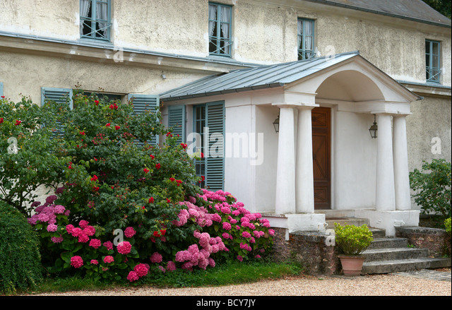 Avray stock photos avray stock images alamy - Maison de ville ile de france ...