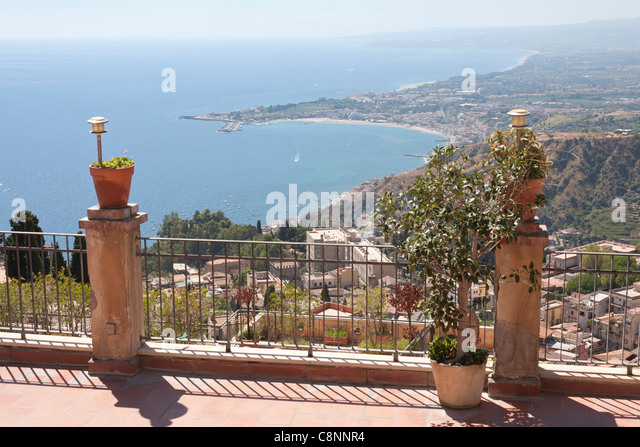 Naxos sicily stock photos naxos sicily stock images alamy for Giardini naxos sicilia