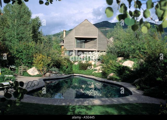 California Backyard Pool Stock Photos California Backyard Pool Stock Images Alamy