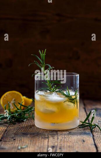 Alcohol spirits honey stock photos alcohol spirits honey for Cocktail whisky miel