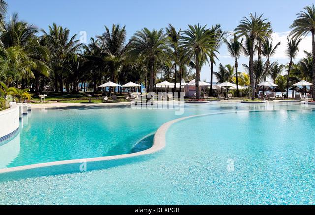 Swimmingpool stock photos swimmingpool stock images alamy for Swimming pool mauritius