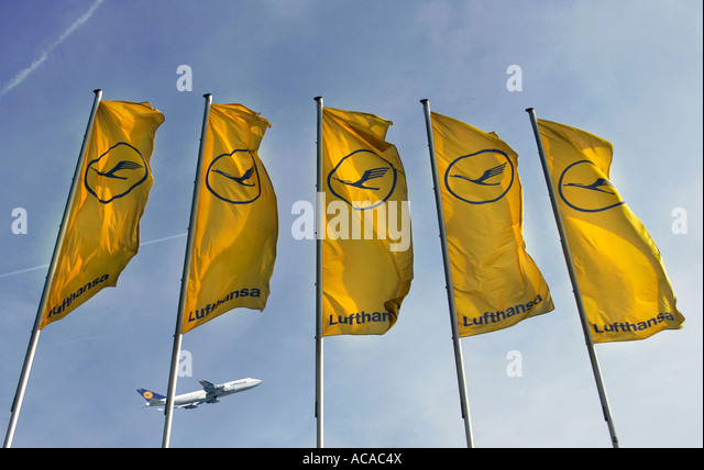 lufthansa emblem stock photos lufthansa emblem stock images alamy. Black Bedroom Furniture Sets. Home Design Ideas