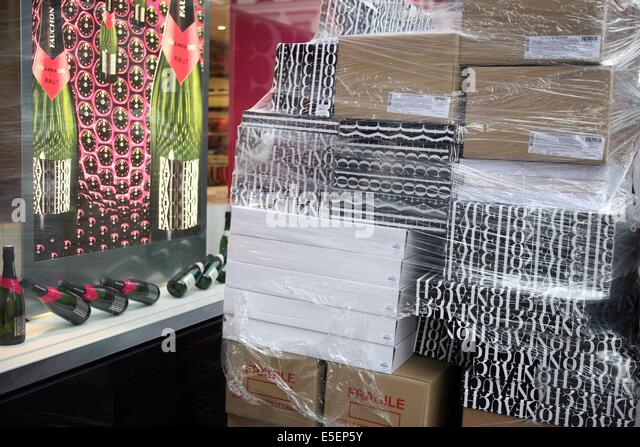 la palette paris stock photos la palette paris stock images alamy. Black Bedroom Furniture Sets. Home Design Ideas
