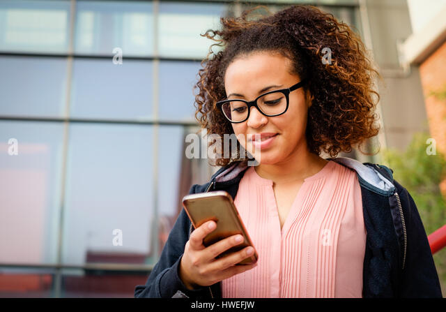 dating app for young woman These days, young single women know all too well the feelings of horror and disgust that come from opening up a text from a potential date and finding an unsolicited.