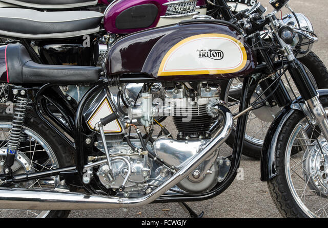 1970TriumphT100R further Triumph T100 Wiring Diagram moreover 5Emotorcycle Triumph furthermore Let There Be Lights further JFrancis 71 Tri Daytona. on triumph t100r wiring
