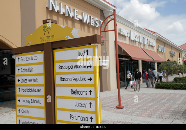 Vero Beach Outlet Mall is located on 94th Drive, and it is considered the ultimate shopping destination for anyone touring the eastern side of Florida. With its impressive collection of stores, shoppers can enjoy savings up to 65% off of regular prices in retail stores.
