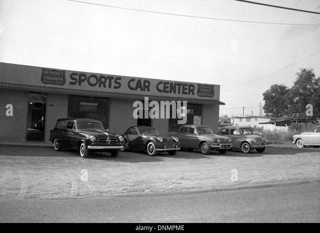 historic car dealership stock photos historic car dealership stock images alamy. Black Bedroom Furniture Sets. Home Design Ideas