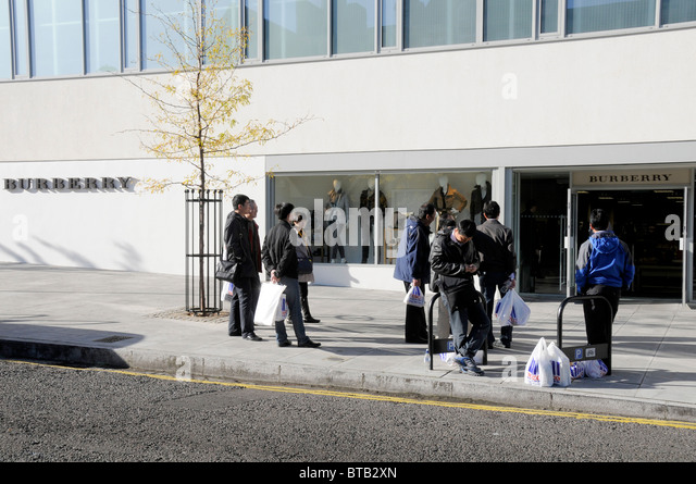burberry cabazon outlet ryzw  Shoppers at the Burberry outlet store in Hackney, east London, UK