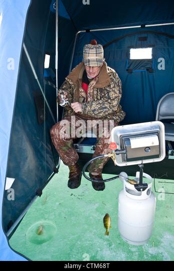 Icefishing stock photos icefishing stock images alamy for Fish house heater