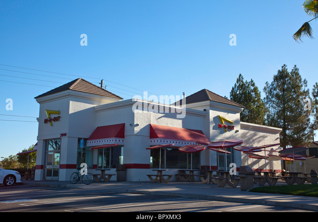 in-n-out-hamburger-in-modesto-california