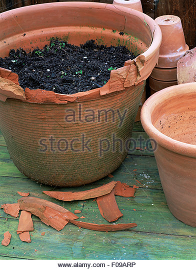 broken pot stock photos broken pot stock images alamy. Black Bedroom Furniture Sets. Home Design Ideas