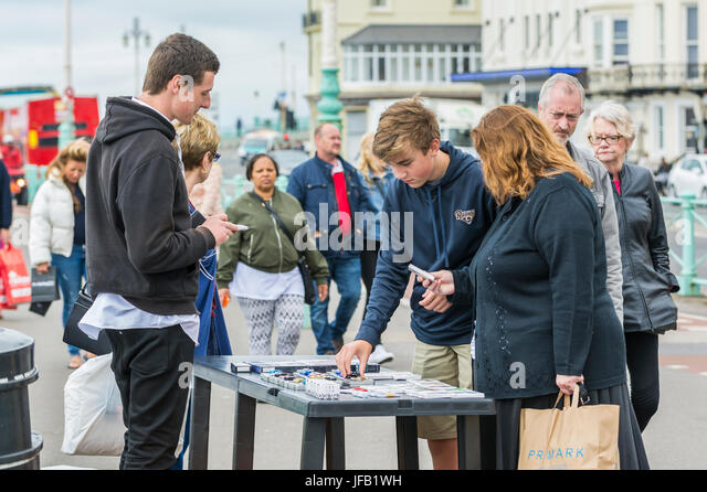 Street Trader Stock s & Street Trader Stock Alamy