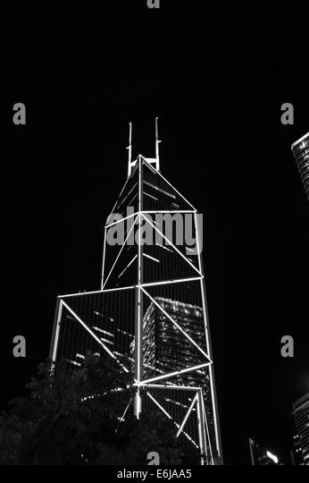 bank-of-china-tower-hong-kong-at-night-w