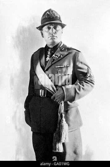 a biography of benito mussolini an italian fascist leader Benito mussolini was a revolutionary political leader of italy  although he was  born in the northern central italy on july 29, 1883, extreme  journalist and the  leader of the national fascist party between 1922 and 1943 8.