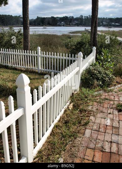 walkway fencing brick walkway stock photos brick walkway stock images alamy
