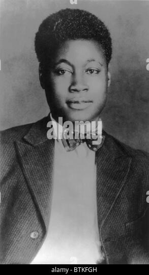 the life and writing career of claude mckay Claude mckay born: festus claudius mckay september 15, 1889 mckay started writing poetry in 1906, mckay became apprenticed to a carriage and cabinet maker known as old brenga toward the end of mckay's life, mckay embraced catholicism.