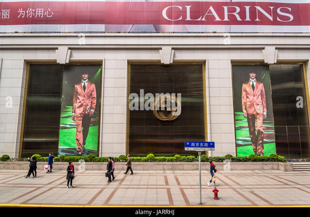black marketing and hoarding Define hoarding hoarding synonyms, hoarding pronunciation, hoarding translation, english dictionary definition of hoarding  (marketing) a large board used for .