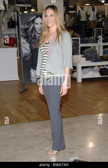 Sarah jessica parker clothing store