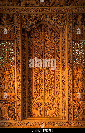 Balinese wooden carved door - Stock Image & Carved Door Frame Stock Photos \u0026 Carved Door Frame Stock Images - Alamy