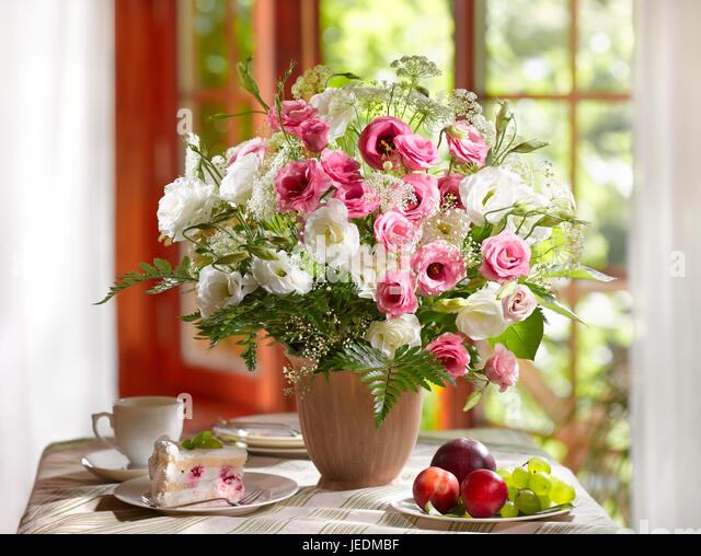Hibiscus Flower Flowers Vase Stock Photos & Hibiscus Flower Flowers ...