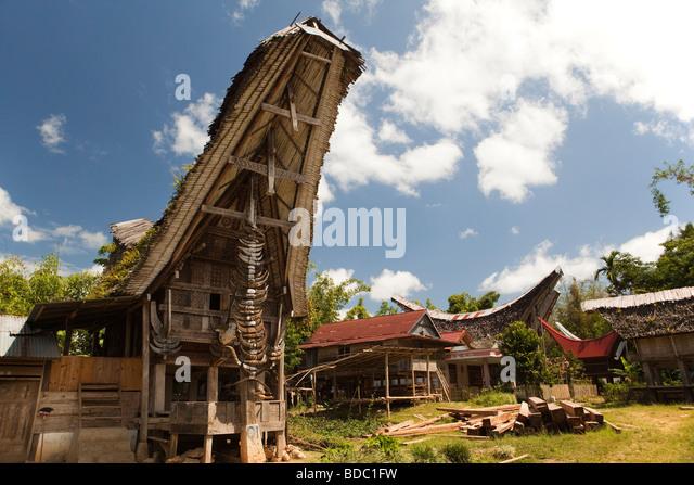 Tongkonan Stock Photos & Tongkonan Stock Images - Alamy Horns Inda House
