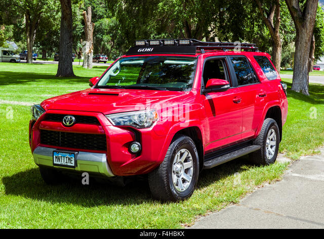 suv and roof rack stock photos suv and roof rack stock images alamy. Black Bedroom Furniture Sets. Home Design Ideas