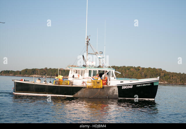 Hauling Lobster Traps Stock Photos & Hauling Lobster Traps Stock Images - Alamy
