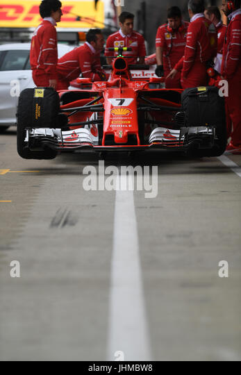 Silverstone Race Circuit, UK. Friday 14th July 2017. Ferrari Race Mechanics  And Kimi